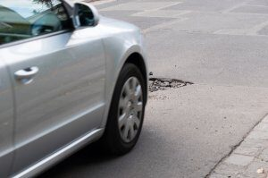 Tips to prevent wheels from potholes damage
